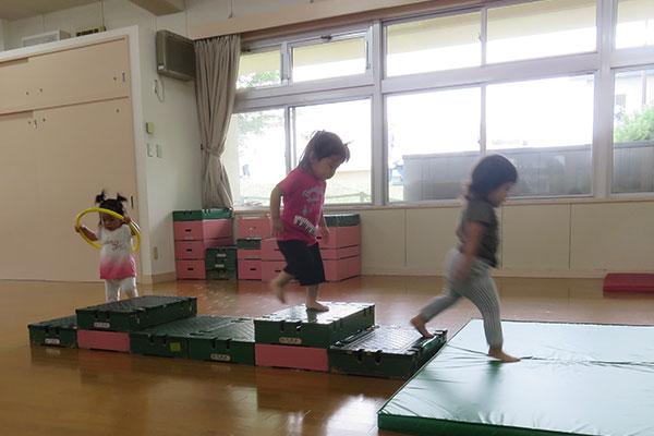 http://www.hoiku-mirai.com/akebono/image/04class/1808-yukinko.jpg