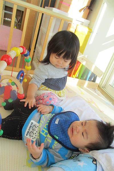 http://www.hoiku-mirai.com/inada/image/04class/1802-hiyoko.jpg
